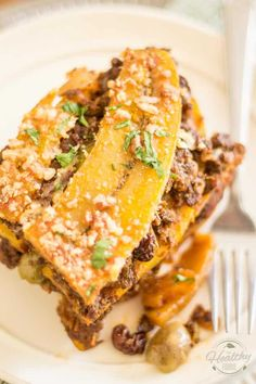 Pastelón de Plátano Maduro, or Sweet Plantain Lasagna, is a surprising combination of sweet and salty ingredients that unite into a highly addictive dish Comida Boricua, Great Recipes, Favorite Recipes, Cooking Recipes, Healthy Recipes, Healthy Food, Eating Healthy, Latin Food, International Recipes