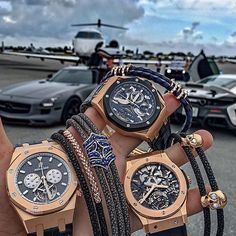 Audemars Piguet and Hublot tourbillon with amazing bracelets ! #beautifulmenswatches #hublot #tourbillon #hublotwatch #perfect #excellent #dailywatch #watchoftheday #watchporn #audemarspiguet #bracelets #cars #airplane @watchfashionbible by beautifulmenswatches