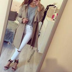 Keep it simple ⚪️ Trench coat www.outfitbook.fr lien en bio  #Padgram