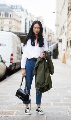 oversized white button down + belt + high waist jeans + converse