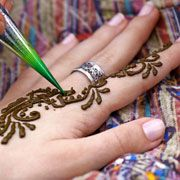 Temporary henna tatto recipe. This could make a fun party night!