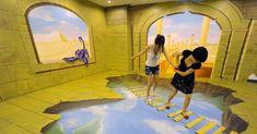 Chineses se divertem em exposição de arte 3D - Fotos - UOL Notícias