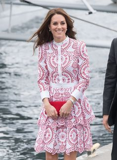 VANCOUVER, BC - SEPTEMBER 25:  Catherine, Duchess of Cambridge arrives by Sea Plane in Vancouver on September 25, 2016 in Vancouver, Canada.  (Photo by Samir Hussein/WireImage) via @AOL_Lifestyle Read more: http://www.aol.com/article/2016/09/28/body-language-expert-says-duchess-kate-and-prince-william-are-st/21482839/?a_dgi=aolshare_pinterest#fullscreen