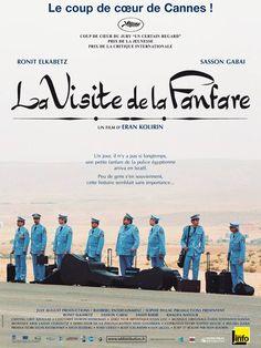 La Visite de la fanfare est un film de Eran Kolirin avec Sasson Gabai, Ronit Elkabetz. Synopsis : Un jour, il n'y a pas si longtemps, une petite fanfare de la police égyptienne vint en Israël. Elle était venue pour jouer lors de la cérémonie d'inau