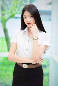 University Girl, Beauty First, Nice Girl, Thai Model, Girls Uniforms, Collar Blouse, Beautiful Asian Women, Schoolgirl, Girl Model