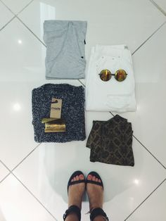 Clean and simple. Nothing like cashmere blend jersey and good honest denim #oxfordcircus #whitedenim #topshopboutique