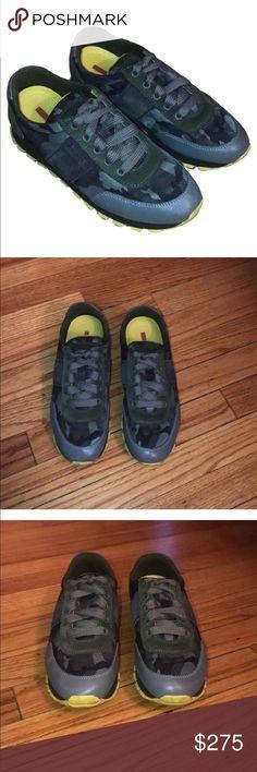 Prada Sneakers Fumo Calzature Donna Sneakers Prada Shoes Sneakers