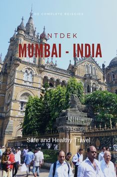 To see all Mumbai has to offer you need several days! I've seen a lot but I need to go back. I listed all the highlights in this Travel Guide for Mumbai! Rishikesh, Varanasi, Travel Guide, Travel Advise, Travel Plan, Budget Travel, City Pass, Busy City, Palace Hotel