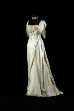 "fripperiesandfobs: "" Worth evening dress, late 1900's From the collection of Alexandre Vassiliev """