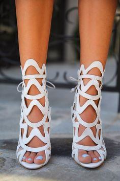 Sophia Webster Mina shoes - the ultimate Spring sandals. Click to shop.
