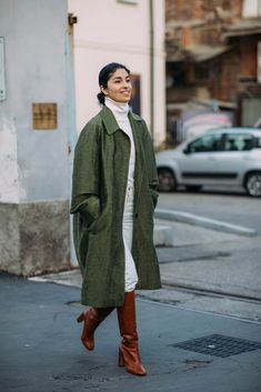 Fall Street Style Outfits to Inspire Herbst Street Style Fashion / Fashion Week Week Estilo Fashion, Fashion Mode, Fashion Outfits, Jackets Fashion, Fashion Fashion, Latest Fashion For Women, Trendy Fashion, Fashion Trends, Feminine Fashion