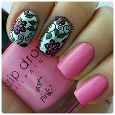day 8: flowers #tbnp_holidaychallenge  @thebeautyofnailpolish advanced stamping drk plate