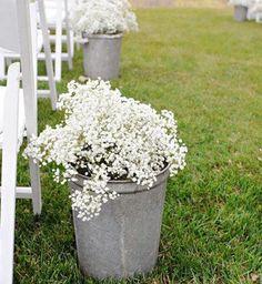 Todo se viste de blanco para celebrar tu #boda en #ZonaELlanogrande #Naturaleza #Verde#Campo #BodasAlAireLibre #BodasCampestres #Eventos #Picnic #Happy#Love- Img vía #Pinterest