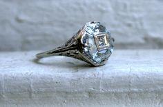 Beautiful Vintage 14K White Gold Filigree Aquamarine and Diamond Ring.