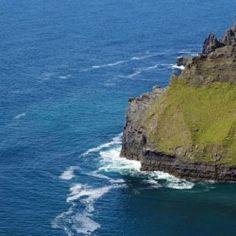 Cliffs of Moher in Ireland - Babetts Bildergalerie - Canvas Artwork Cliffs Of Moher, Floating Frame, Stretched Canvas Prints, Canvas Artwork, Wood Print, Picture Show, Water, Outdoor, Ireland