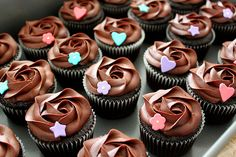 Art On Sun: Chocolate Cupcakes with Ganache Frosting