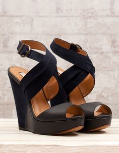 perfect black wedges