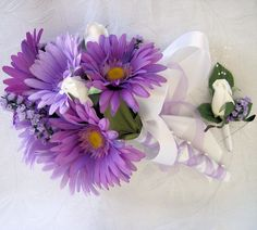 White and purple Daisy bouqet