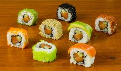 Learn how to make sushi parties and impress your friends with your cooking! Full Recipe: http://www.makesushi.com/sushi-dinner-platter/ In this video Chef De...