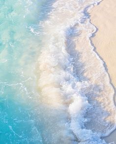 Gradient effect, from refreshing ocean waters to soft sands. #Inspiration for the #BCBGMAXAZRIA Spring 2016 Dress Editorial.