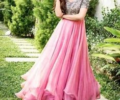 Best new year indo western gown collection for party 6 Lehenga Designs, Kurta Designs, Dress Designs, Long Gown Dress, Frock Dress, The Dress, Long Gowns, Frock Fashion, Fashion In