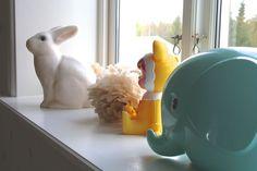 IsabelleSDecor - En blogg om inredning, dekorationer, trädgård och lite där emellan. White rabbit lamp, Woodland doll coin bank, Norsu elephant money box. #bunnyinthewindow