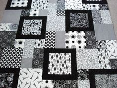Labyrinth Quilt Pattern Free | Quilt Patterns Black And White For black and white quilts