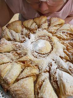 Placinta de mere impletita Apple Pie, Bread, Desserts, Food, Tailgate Desserts, Meal, Brot, Dessert, Eten