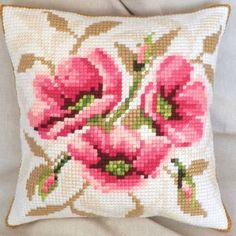 Size 40 cm / 40 cm. Acrilic thread, cotton fabric Aida 4.5 ct. Counted cross-stitch kit. The canvas is not printed. The kit includes the back of the pillow. The back is made of quality cotton fabric.