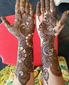 Best 11 Mehndi henna designs are always searchable by Pakistani women and girls. Women, girls and also kids apply henna on their hands, feet and also on neck to look more gorgeous and traditional. Arabic Mehndi Designs Brides, Rajasthani Mehndi Designs, Full Mehndi Designs, Latest Bridal Mehndi Designs, Mehndi Design Pictures, Mehndi Designs For Beginners, Mehndi Designs For Girls, Wedding Mehndi Designs, Dulhan Mehndi Designs