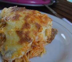 Μακαρόνια με κρέας και κρέμα στον φούρνο !!! ~ ΜΑΓΕΙΡΙΚΗ ΚΑΙ ΣΥΝΤΑΓΕΣ Lasagna, Ethnic Recipes, Food, Gourmet, Lasagne, Essen, Yemek, Meals