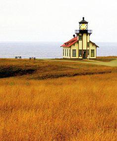 Coyote Atelier travel inspiration: Point Cabrillo Lighthouse, Mendocino, California.