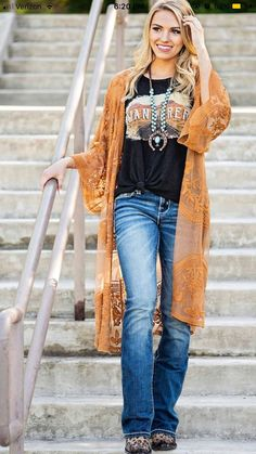 Love T shirt and lace cardigan! Love T shirt and lace cardigan! Rodeo Outfits, Fall Outfits, Casual Outfits, Dress Outfits, Cute Outfits, Fashion Outfits, Summer Cowgirl Outfits, Dress Casual, Cowgirl Style Outfits