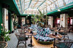 Bij The Streetfood Club in Utrecht kun je heerlijk dineren in een exotisch interieur. Geniet van allerlei wereldse gerechtjes van de streetfood kaart.