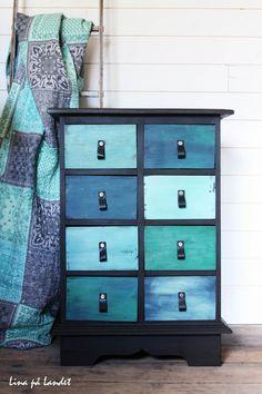 Lina på Landet: charmigt cool Beachy Colors, Mint, Decoration, Dresser, Colours, Cool Stuff, Bedroom, Projects, Annie Sloan