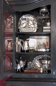 Collective Wisdom: Tips for Styling Your Collections - Nell Hills Antique Wooden Boxes, Bookcase Styling, Vintage Mirrors, Display Case, Display Ideas, Displaying Collections, Dream Decor, Beautiful Interiors, Shadow Box