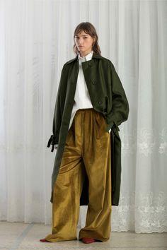 Christian Wijnants #VogueRussia #prefall #fallwinter2018 #ChristianWijnants #VogueCollections