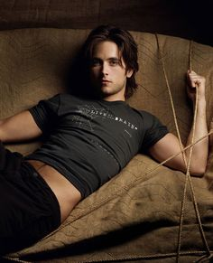 Justin Chatwin (born October is a Canadian film and television actor.He plays Steve/Jimmy in Shameless, on Showtime Justin Chatwin, Beautiful Men, Beautiful People, Dream Dates, Hottest Guy Ever, Man Wallpaper, Beauty Inside, Guy Pictures, Celebs