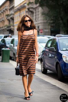 oh it's Vivs in that fab stripey number. Milan. #VivianaVolpicella