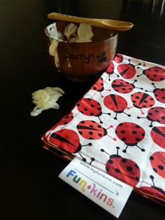 Funkins Reusable Napkin (review)! Cloth Napkins, Lunch Box, Snacks, Tableware, Appetizers, Dinnerware, Dishes, Bento Box, Treats
