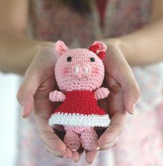 Amigurumi Piggy Bella - Free English Crochet Pattern here: http://crobypatterns.com/free-crochet-pattern-amigurumi-piggy-bella/?mi-piggy-bella/