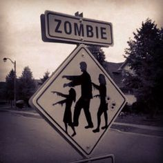 Over 15 of the coolest Zombie Crafts to keep you busy during non-zombie apocalypse times. There's something for everyone, from the little zombie fan to those of you with more crafty skills. Many feature free printables The Walking Dead, Walking Dead Zombies, Zombie Life, Zombie Walk, Rob Zombie, Zombie Apocalypse, Apocalypse Survivor, Zombie Crafts, Evil Dead