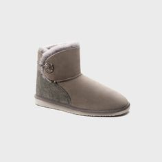 Our 'Ugg Brighton Mini' boot features our classic brass button detail with elastic fastener making it easy to slide on and go. Vogue Australia, Ugg Australia, Bearpaw Boots, Ugg Boots, Mini S, Brighton, Uggs, Mothers, Online Shopping
