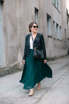 how-to-wear-a-maxi-skirt-into-fall-4-of-18