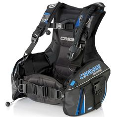 The Cressi Aquapro 5 BCD has been completely revised both functionally and aesthetically. The Aquapro 5 is an economically minded BCD, yet has all the features of higher priced buoyancy compensators. T