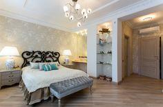Фото спальня Квартира Luxury Interior, Oversized Mirror, Lounge, Couch, Furniture, Home Decor, Chair, Airport Lounge, Drawing Rooms