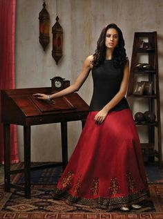 Silk skirt with long top. Get it at myTAILOR.in - Rock Indian Skirt, Indian Dresses, Indian Outfits, Indian Attire, Indian Ethnic Wear, Ethnic Fashion, Asian Fashion, Muslim Fashion, Women's Fashion