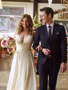 Emily Thorne in 'Revenge' - TV Wedding Dresses, Ranked From Best To Worst - Photos Worst Wedding Dress, Movie Wedding Dresses, Wedding Movies, Emily Thorne, Revenge Tv Show, Revenge Series, Emily Revenge, Revenge Abc, Revenge Quotes
