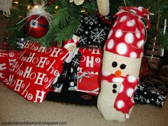 My World - Made By Hand: DIY Snowman from a Soda Bottle & a Sock! {tutorial}