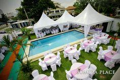 Poolside wedding reception <3